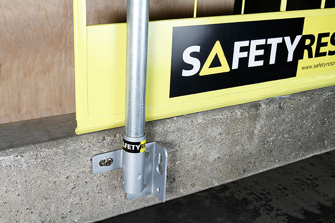 vertical_bracket_safetyrespect_3