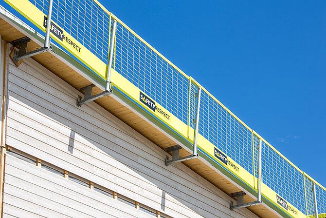 flex_roof_gable_bracket_safetyrespect_9822