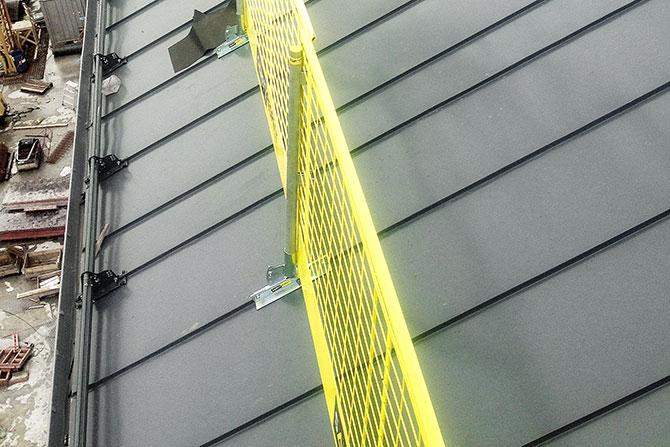 standing_seam_bracket_safetyrespect_033c