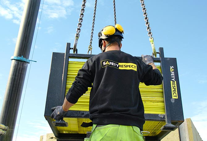 Building crane lifting edge protection
