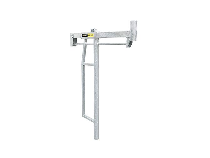 Adjustable post holder