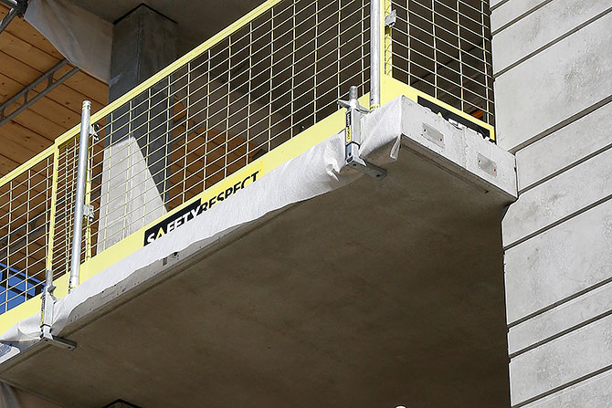Edge protection balcony