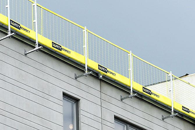 Fall protection on house facade