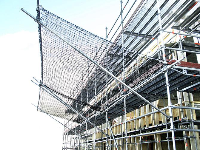 Safety fan for scaffoldings