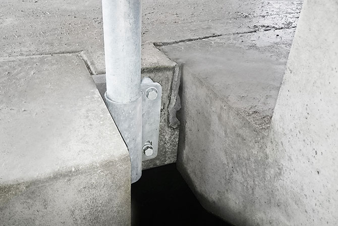 Stair bracket edge protection