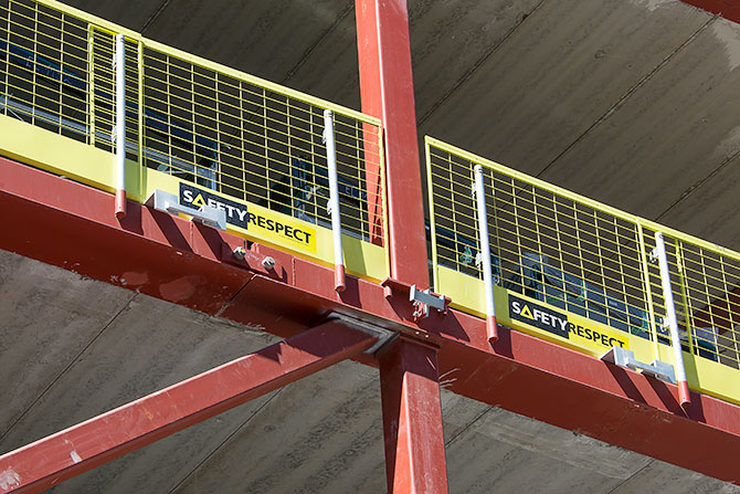 Edge protection installation on steel beams